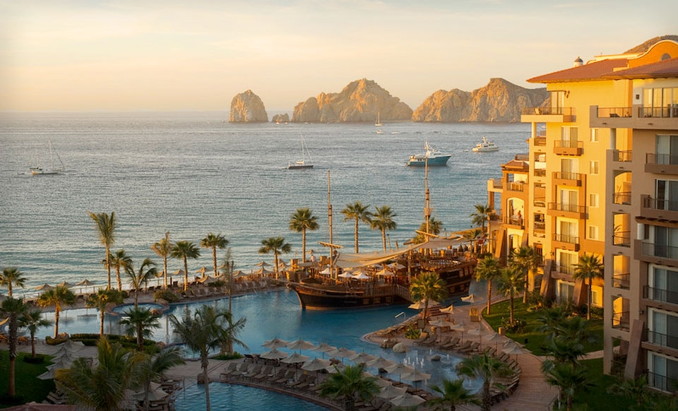 Four-Night Stay for Two in a One-Bedroom Suite at Villa del Arco Beach Resort in Mexico