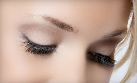 $79 for a Full Set of Eyelash Extensions at Amazing Lash Studio ($250 Value)
