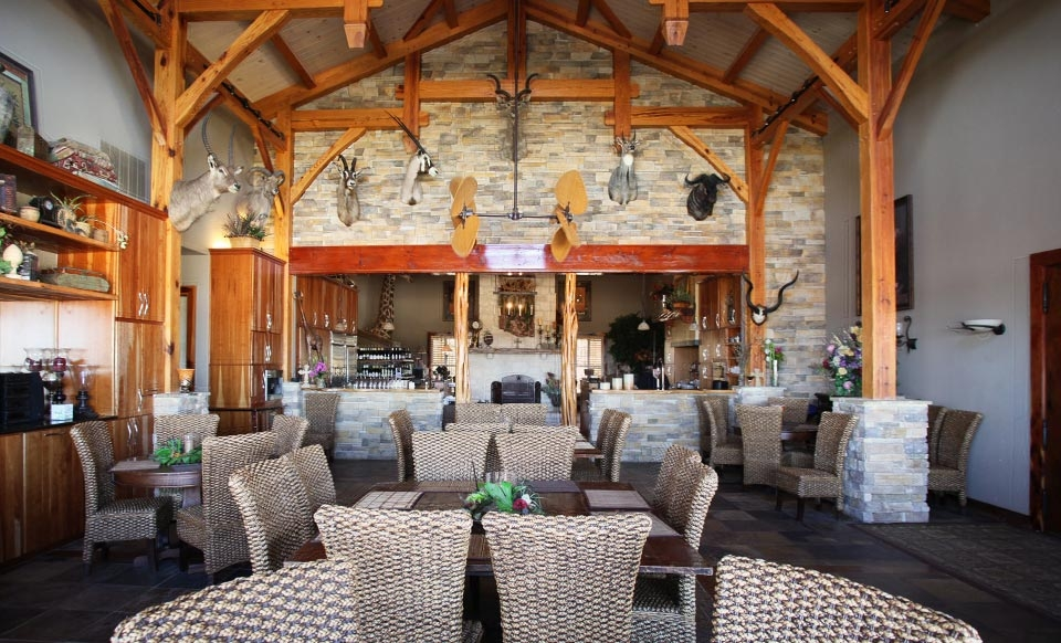 One-Night Stay at the Serengeti Resort in Greater San Antonio