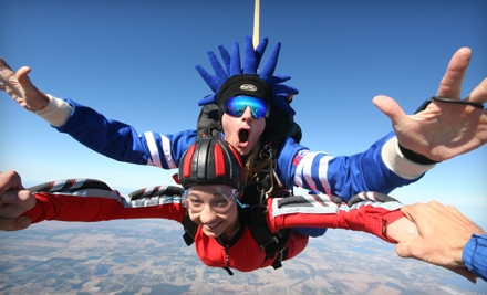 $115 for a Tandem Skydive from Jump Florida Skydiving in Lake Wales ($199 Value)